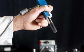 Микроскоп размером с ручку упростит проведение операций на головном мозге