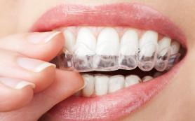 Как отбелить зубы с помощью обычных продуктов