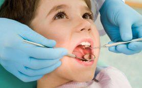 Стоматологи: для здоровья зубов нужно есть молочные продукты