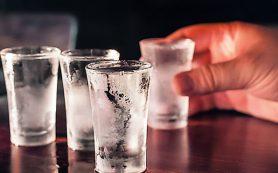 Компания, в которой находится человек, оказывает влияние на количество выпитого алкоголя