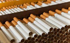 Многие подростки курят, чтобы сбросить вес, показало исследование