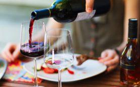 Алкоголь оказывает разное влияние на деятельность головного мозга и пищеварительного тракта