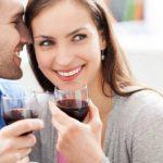 Два бокала вина в неделю приводят к выпадению зубных пломб