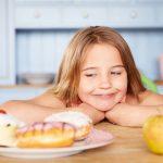 В борьбе с кариесом и ожирением способна помочь вода