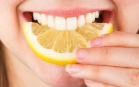 Названы продукты, существенно портящие зубы