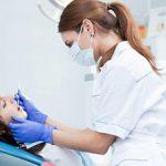 Стоматологи назвали главные причины развития кариеса