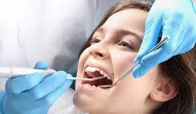 Стоматологи назвали продукты, провоцирующие кариес