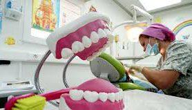 Стоматологи объяснили, как связаны кариес и рак