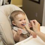 """Ранее введение """"опасных"""" продуктов в рацион ребенка снижает риск пищевой аллергии"""