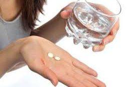 Прием антибиотиков в зрелом возрасте увеличивает риск инфаркта и инсульта у женщин