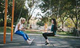 Незамужние и бездетные женщины более счастливы и дольше живут