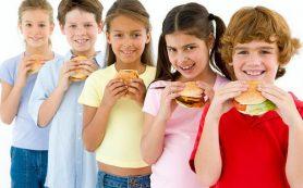 Информация о здоровом образе жизни сама по себе не изменяет вредных пищевых привычек детей