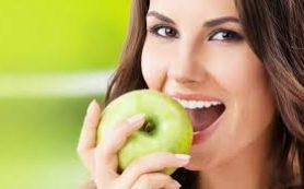 Побольше яблок и моркови против заболеваний десен