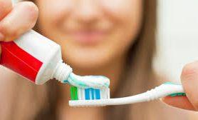 Медики предупредили о неожиданной опасности зубной пасты