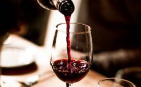 Красное сухое вино оказалось полезным для кишечника