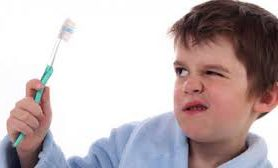 Отказ чистить зубы может привести к трем смертельным болезням