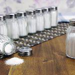 Уменьшение количества соли в рационе снижает давление эффективнее, чем вы думали