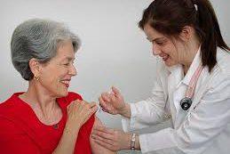 Зачем взрослым людям делать прививки от детских болезней