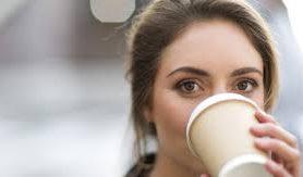 Ученые рассказали, почему пить кофе до завтрака опасно